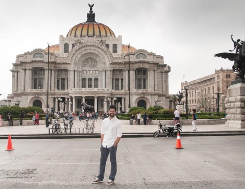 Durante el recorrido por el Centro Histórico, Miguel Ángel, siempre sencillo, aceptó tomarse fotos, con todo aquél que se lo pedía.