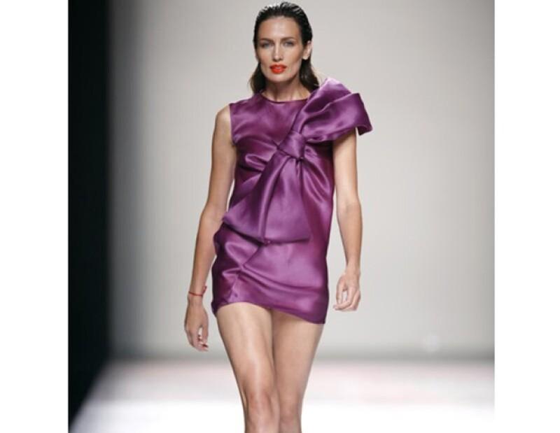 El vestido que lució Nieves Álvarez será subastado.
