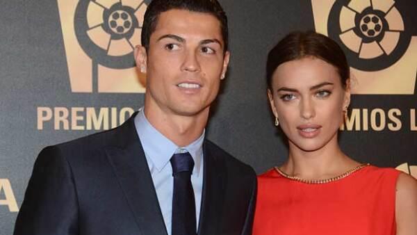 Luego de cinco años de relación, el futbolista decidió terminar a su novia debido a que ella se negó a ir a Portugal para el cumpleaños de su madre.