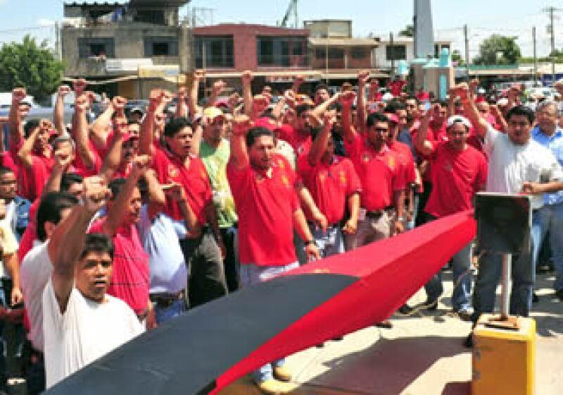 La sección 271 del Sindicato Minero, rechaza la oferta de Arcelor Mittal de un incremento del 7% para que 3,750 trabajadores sindicalizados vuelvan a trabajar. (Foto: NTX)