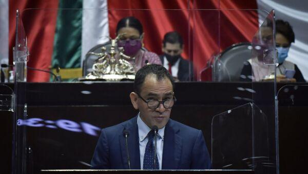 Arturo Herrera, secretario de Hacienda y Crédito Público, durante su comparecencia ante el pleno de la Cámara de Diputados en la que se somete a discusión el Segundo Informe de Gobierno Federal en materia económica y se de cuenta de las iniciativas del Paquete Económico para el Ejercicio Fiscal 2021.