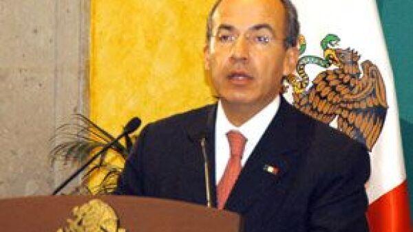 En un mensaje desde la Residencia Oficial de Los Pinos, señaló que se propone suprimir las secretarías de Turismo, la de Reforma Agraria y la Secretaría de la Función Pública.