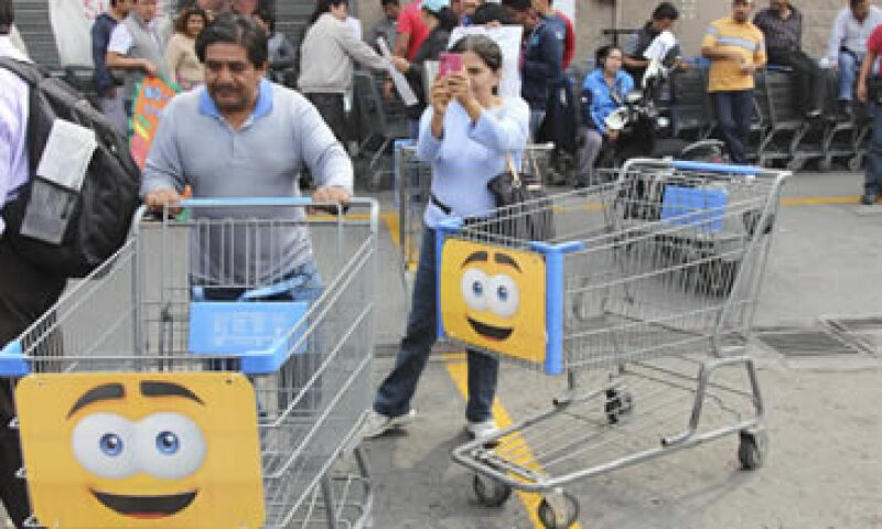Walmart registró descensos en sus ventas iguales durante el primer trimestre del año. (Foto: Cuartoscuro)
