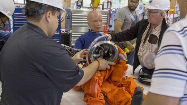 La NASA hace pruebas con maniquíes.