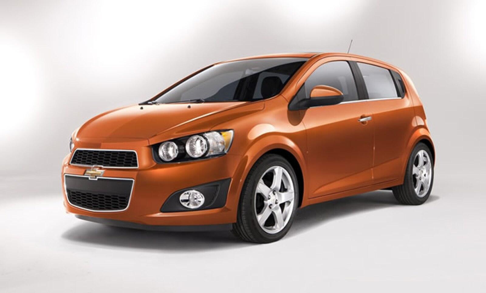 La firma de Michigan ofreció los primeros detalles de su modelo juvenil Sonic, que tiene 138 caballos de fuerza, un motor Ecotec de 1.8 litros y estará en las calles a finales de 2011.