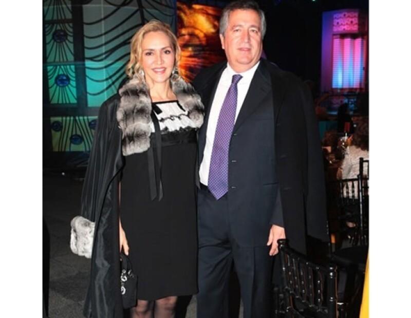 Angélica Fuentes y Jorge Vergara se embarazaron por segunda vez y de gemelos.