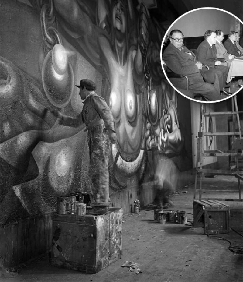 Izquierda: José Clemente Orozco pintando su mural `Nueva Democracia´, a la derecha, Diego Rivera en un salón de Bellas Artes.