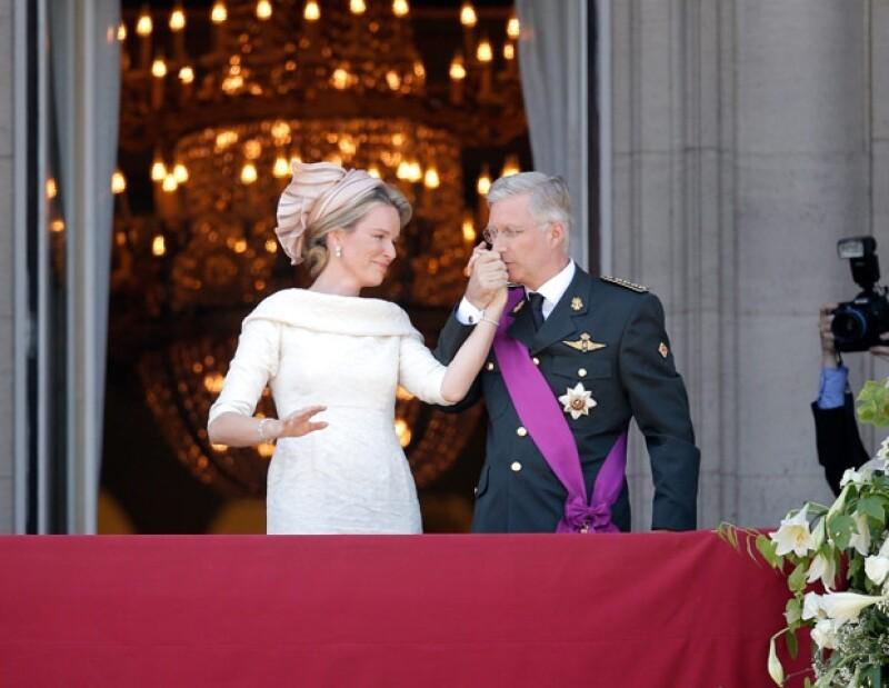 Bélgica tiene nuevos monarcas, Felipe y Matilde, tras la abdicación presentada por el hasta ahora rey Alberto II.