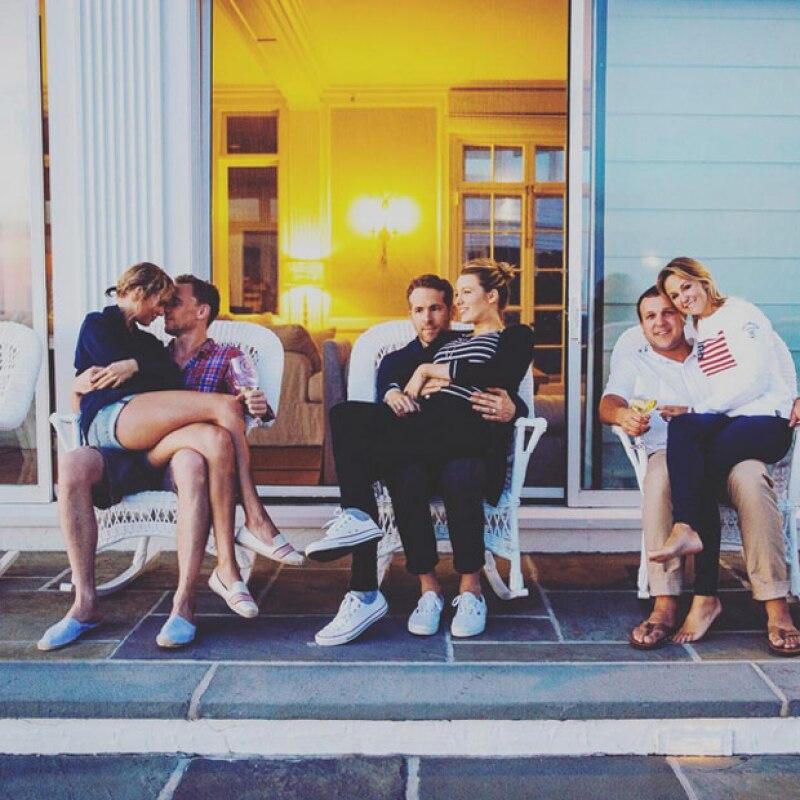 Jamás olvidaremos la romántica fotografía que se tomaron con Blake y Ryan.