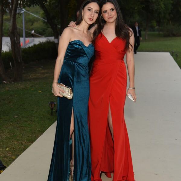 Mariana Marcos y Ana Sof°a Huerta.jpg