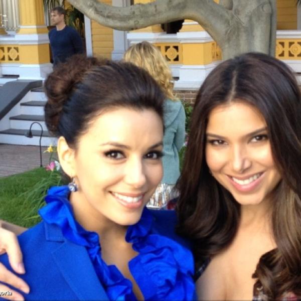 Dos guapas y exitosas latinas, Eva y Roselyn Sanchez.
