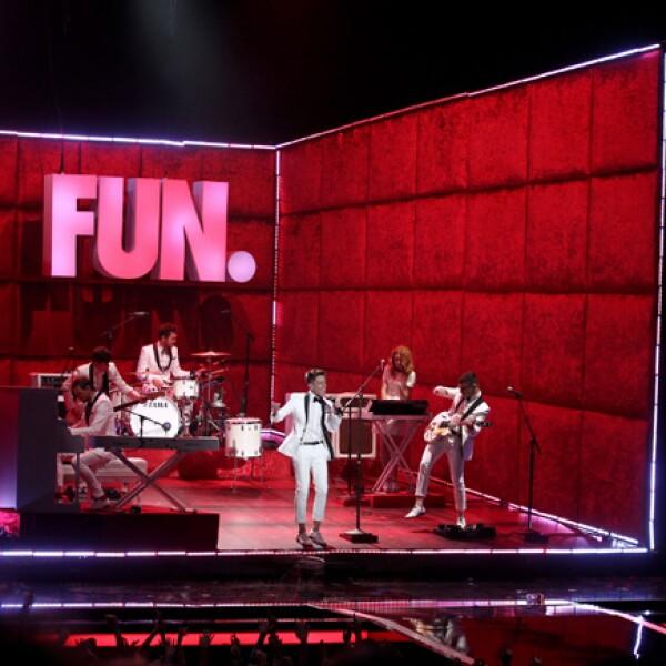 Actuación de la banda Fun.