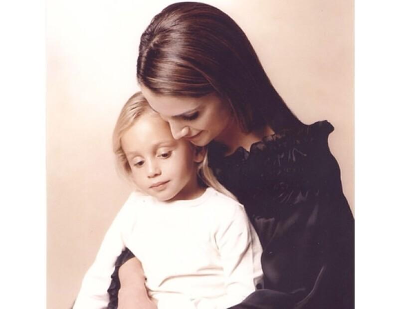 La Reina Rania tiene dos papeles muy importantes en su vida: ser Reina y ser madre, y en Instagram nos muestra que ambas cosas se llevan bien, pues lo refleja en su actitud con los niños que visita.