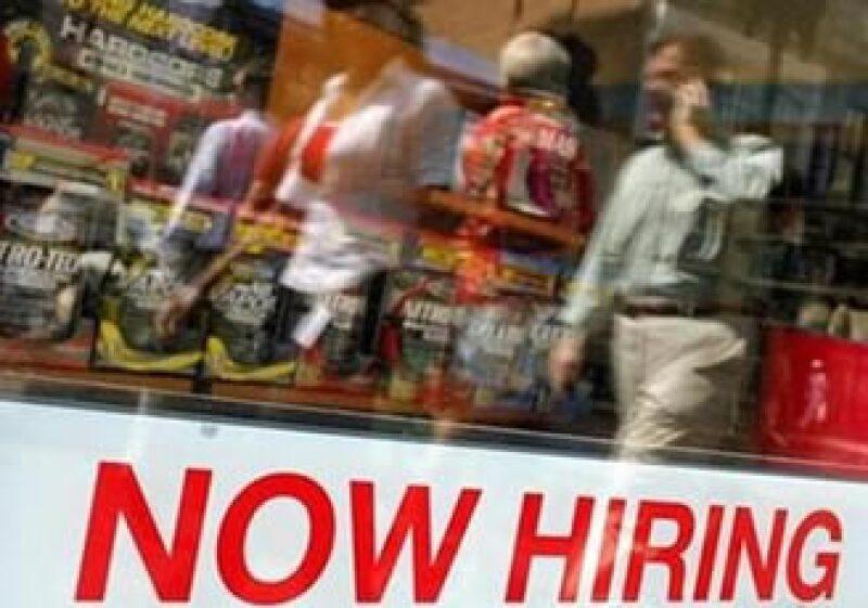 Las pequeñas empresas son quienes están optando por la adquisición de nuevos empleados. (Foto: Reuters)
