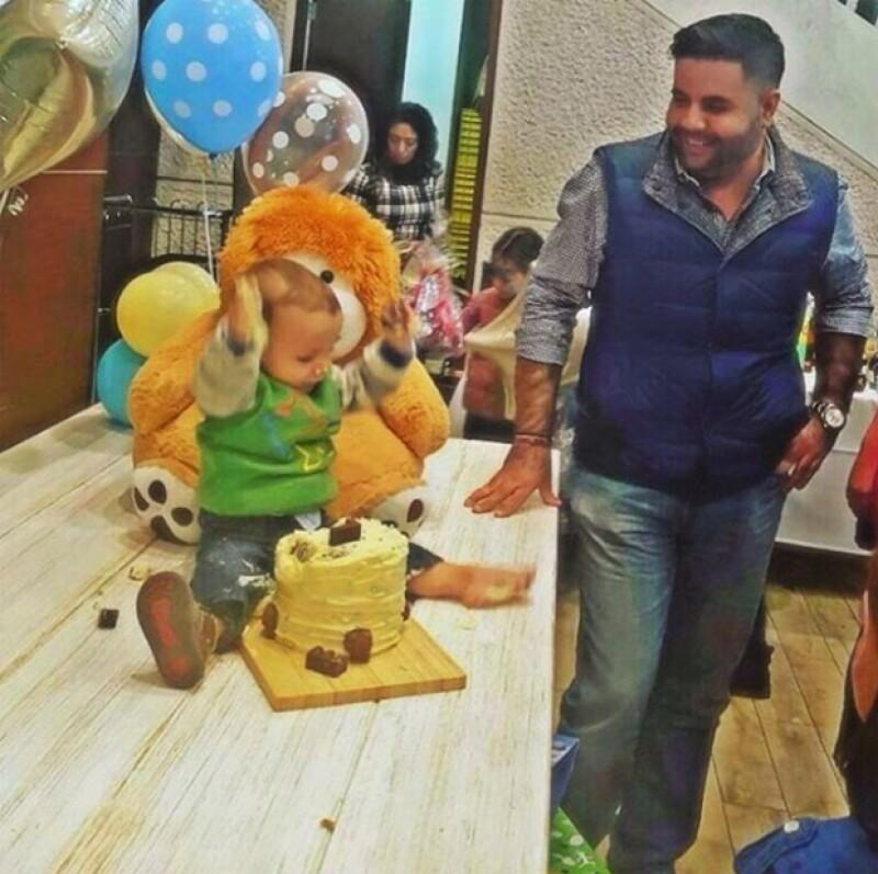"""La actriz y su pareja, Gerardo Casanova, organizaron una inolvidable fiesta infantil a la que asistió parte del elenco de la telenovela """"Mi corazón es tuyo""""."""