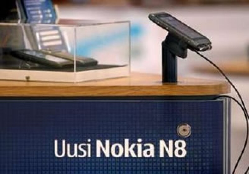 La inclusión del sistema operativo de Nokia, Symbian, hizo que se retrasara su distribución. (Foto: Reuters)