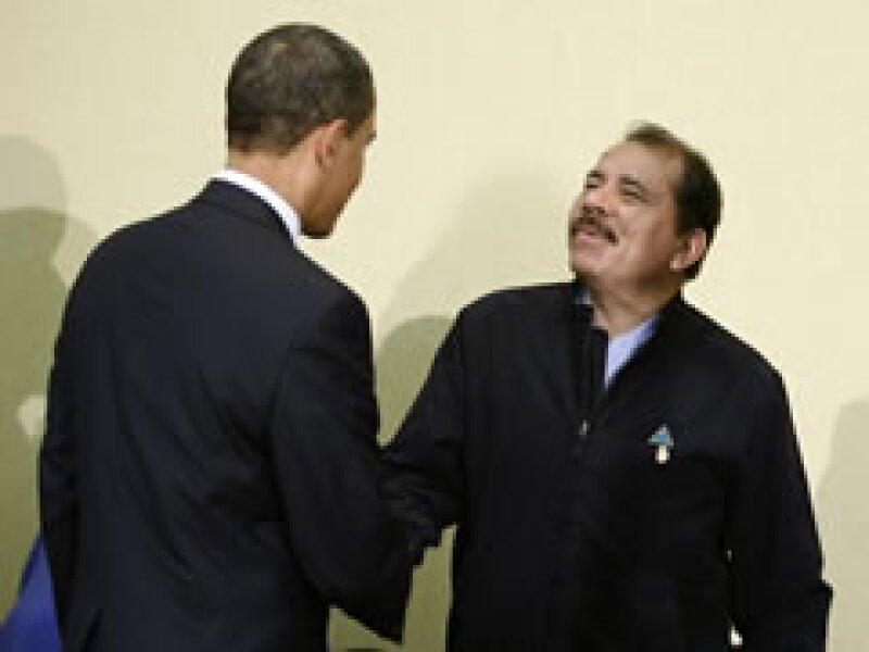Obama y Ortega, en el encuentro entre el mandatario de EU y los centroamericanos. (Foto: Reuters)