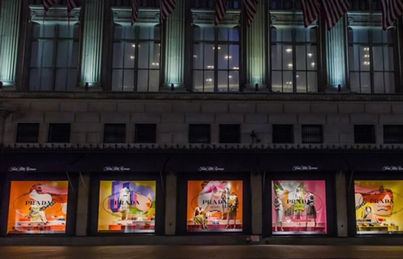 Prada recientemente anunció la apertura de una nueva boutique de zapatos en la tienda Saks Fifth Avenue en la Quinta Avenida en Nueva York