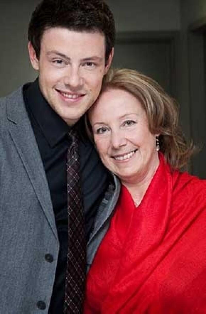 """Ann McGregor, madre del protagonista de """"Glee"""" quien fuera encontrado muerto en un hotel de Canadá a mediados de julio, rompe el silencio en las redes sociales tras la pérdida de su hijo."""