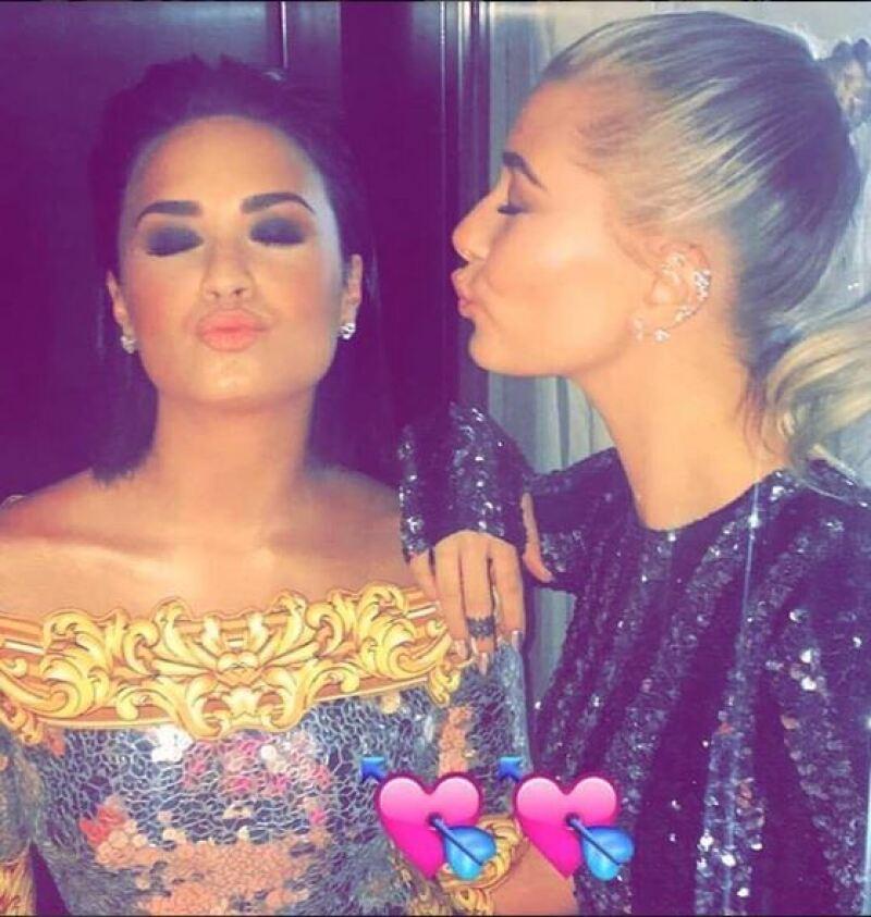 Fans aseguran que Taylor Swift, Selena Gomez y el resto de sus amigas dieron unfollow a la novia de Wilmer Valderrama tras postear una foto junto a la modelo Hailey Baldwin, ¿que está pasando?