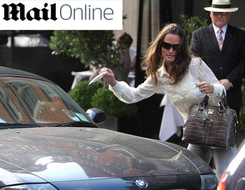 Pippa fue multada al salir del restaurante de Scott en Mayfair.