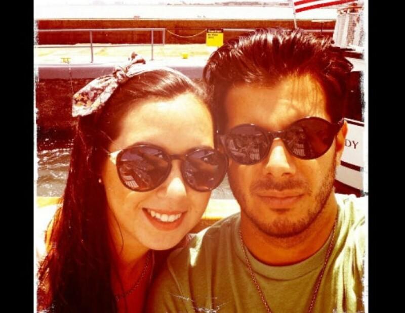 Fátima y Héctor son una pareja que disfruta en grande su amor.