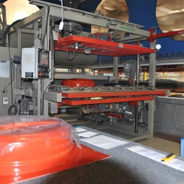 Las cubiertas de la 5� llanta se fabrican en un proceso de termoformado