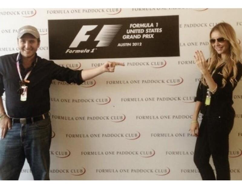 El hijo del vicepresidente de la Federación Internacional de Automovilismo le entregó el anillo de compromiso a su novia durante una de las carreras del GP USA.