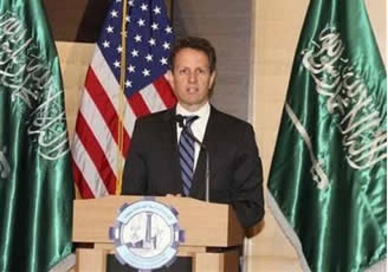 Tim Geithner, secretario del Tesoro de Estados Unidos realiza una visita en Arabia Saudita. (Foto: Reuters)
