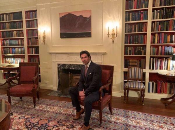 Eduardo Verástegui en la Casa Blanca 4.jpg