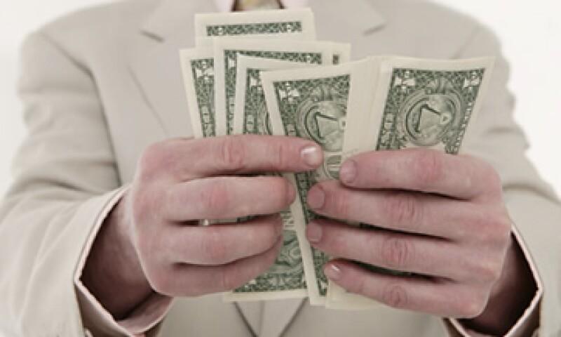 Banco Base estima que este lunes el dólar libre podría fluctuar entre los 13.73 y 13.86 pesos por unidad.  (Foto: Thinkstock)