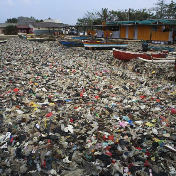 INDONESIA-ENVIRONMENT-PLASTIC-POLLUTION