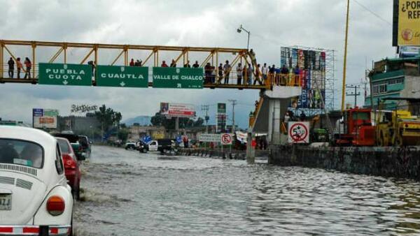 Carretera inundada