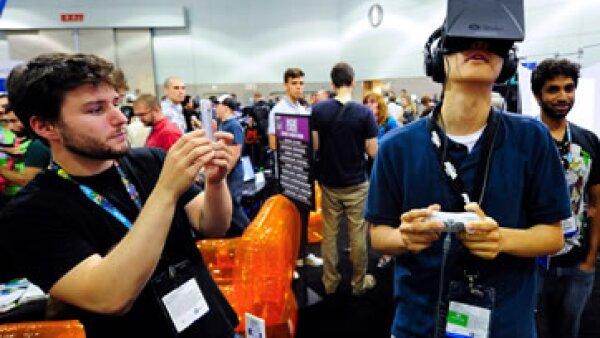 Con la adquisición de Oculus, Facebook planea ser pionero en un sistema innovador más allá de los móviles. (Foto: Reuters)