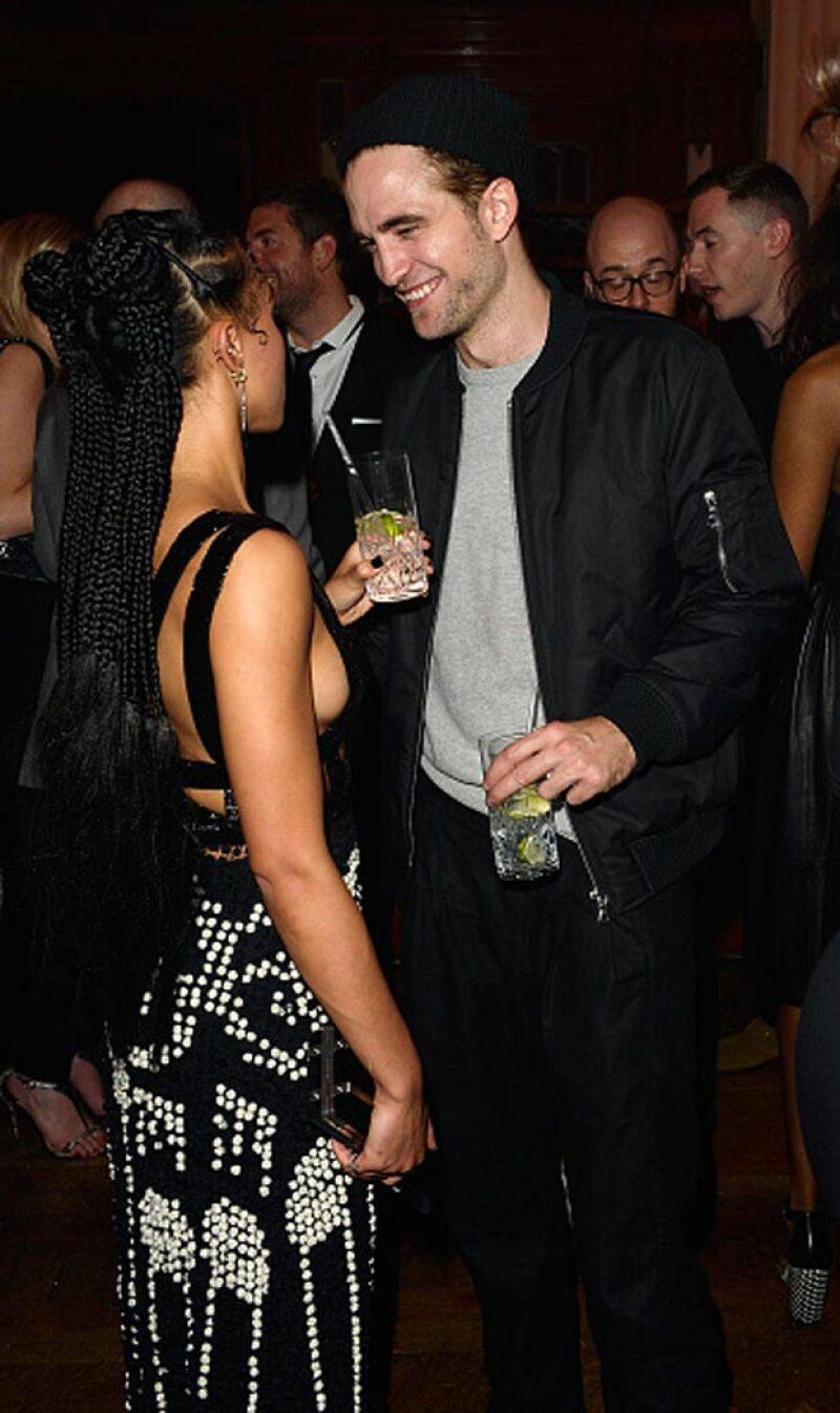 No podemos negar que Robert se ve siempre muy feliz al lado de la cantante inglesa.