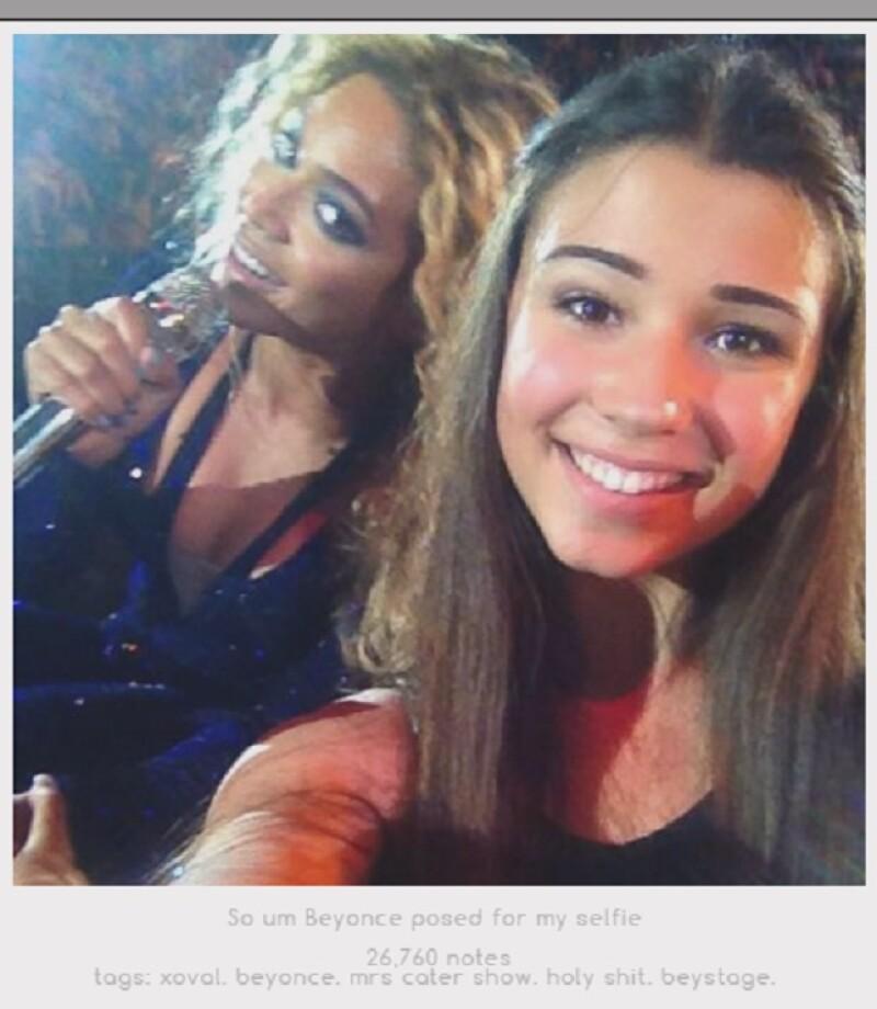 Queen B apareció en este photoboom que ha pasado a la historia de las selfies de fans.