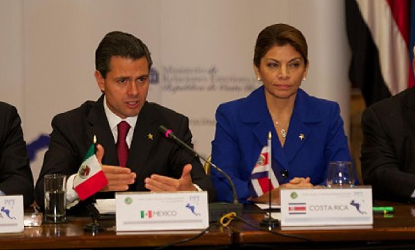 En el marco de su gira por este país latinoamericano, el 20 de febrero el presidente participó en la Reunión Extraordinaria de Jefes de Estado y de Gobierno del Sistema de la Integración Centroamericana (SICA) y México.