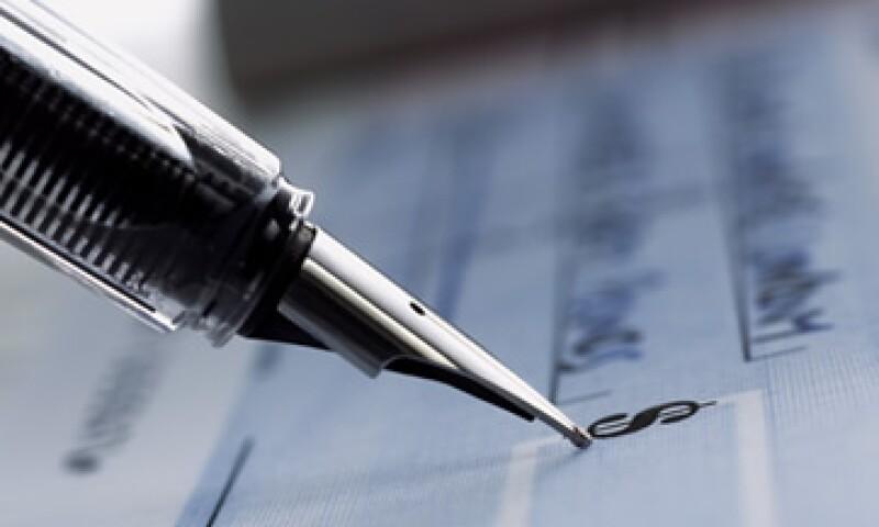 Los cheques deberán ser expedidos a nombre de una persona física o moral específica.  (Foto: Getty Images)