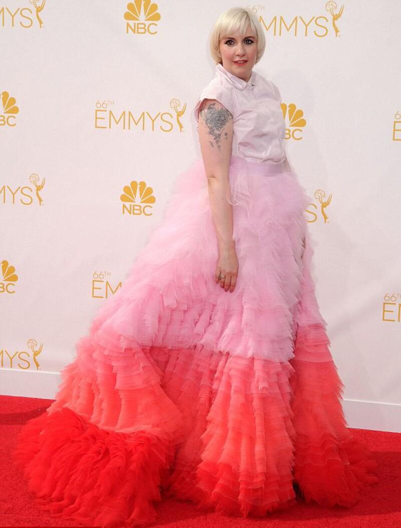 Lena Dunham y su particular estilo no pasaron desapercibidos en los Emmys.