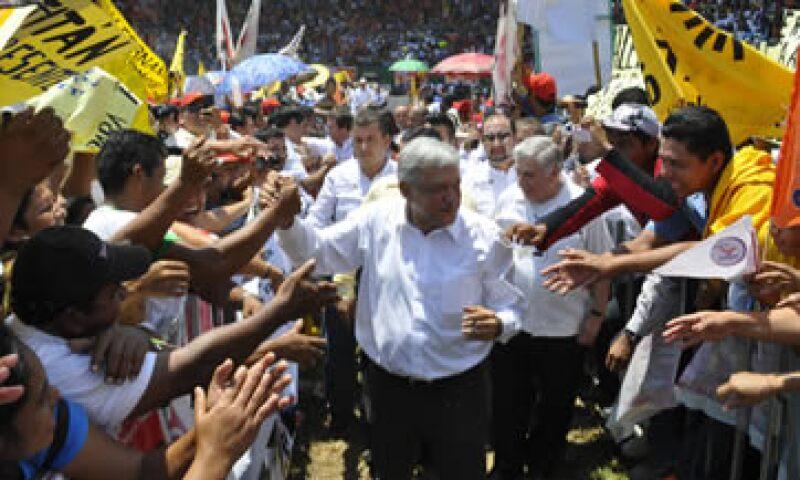 Andrés Manuel López Obrador y otros candidatos a la presidencia arrancaron este viernes sus campañas. (Foto: Notimex)