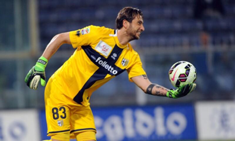 Los jugadores del Parma llegaron a lavar su equipo deportivo ante la precaria situación. (Foto: Getty Images )
