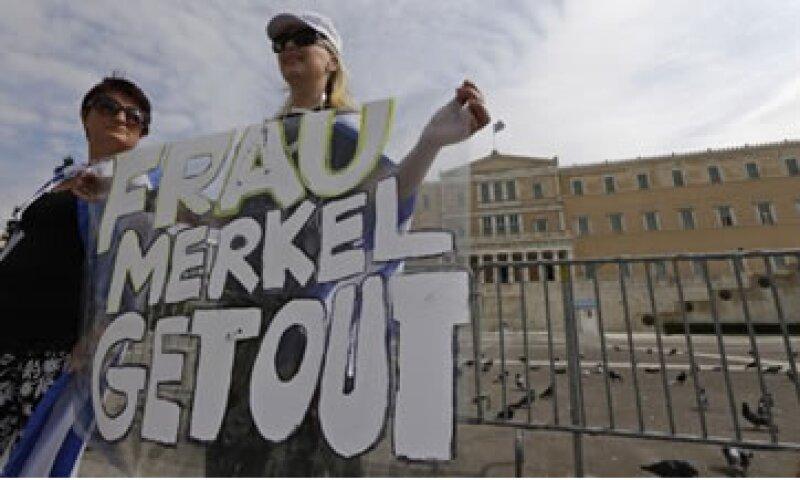 Se espera que Merkel confirme su deseo de mantener a Grecia en la eurozona.  (Foto: Reuters)