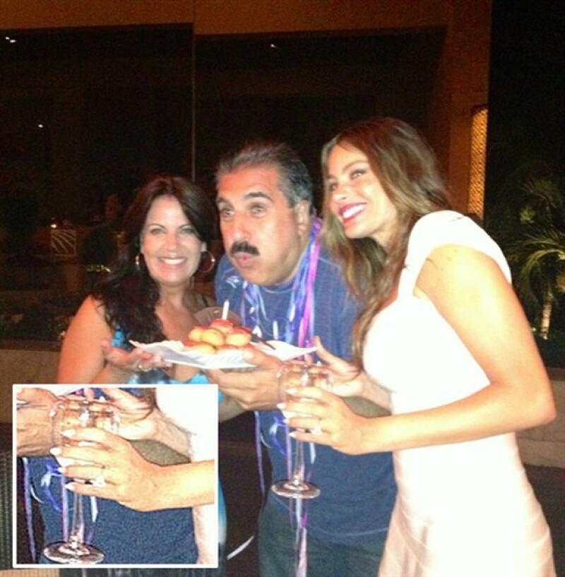 El novio de la actriz colombiana aprovechó el cumpleaños 40 de la actriz y le dio el anillo durante sus vacaciones en la Riviera Maya.