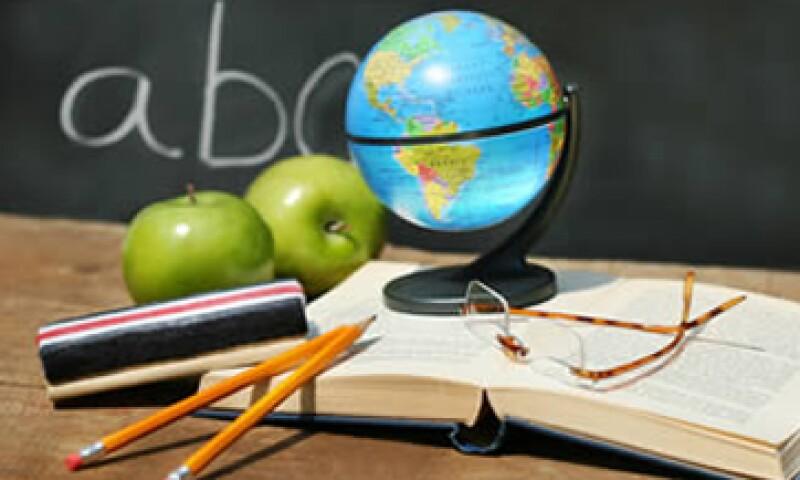 semanal podrás aprovechar las promociones de descuento que muchas escuelas ofrecen si pagas anticipadamente.  (Foto: Archivo)