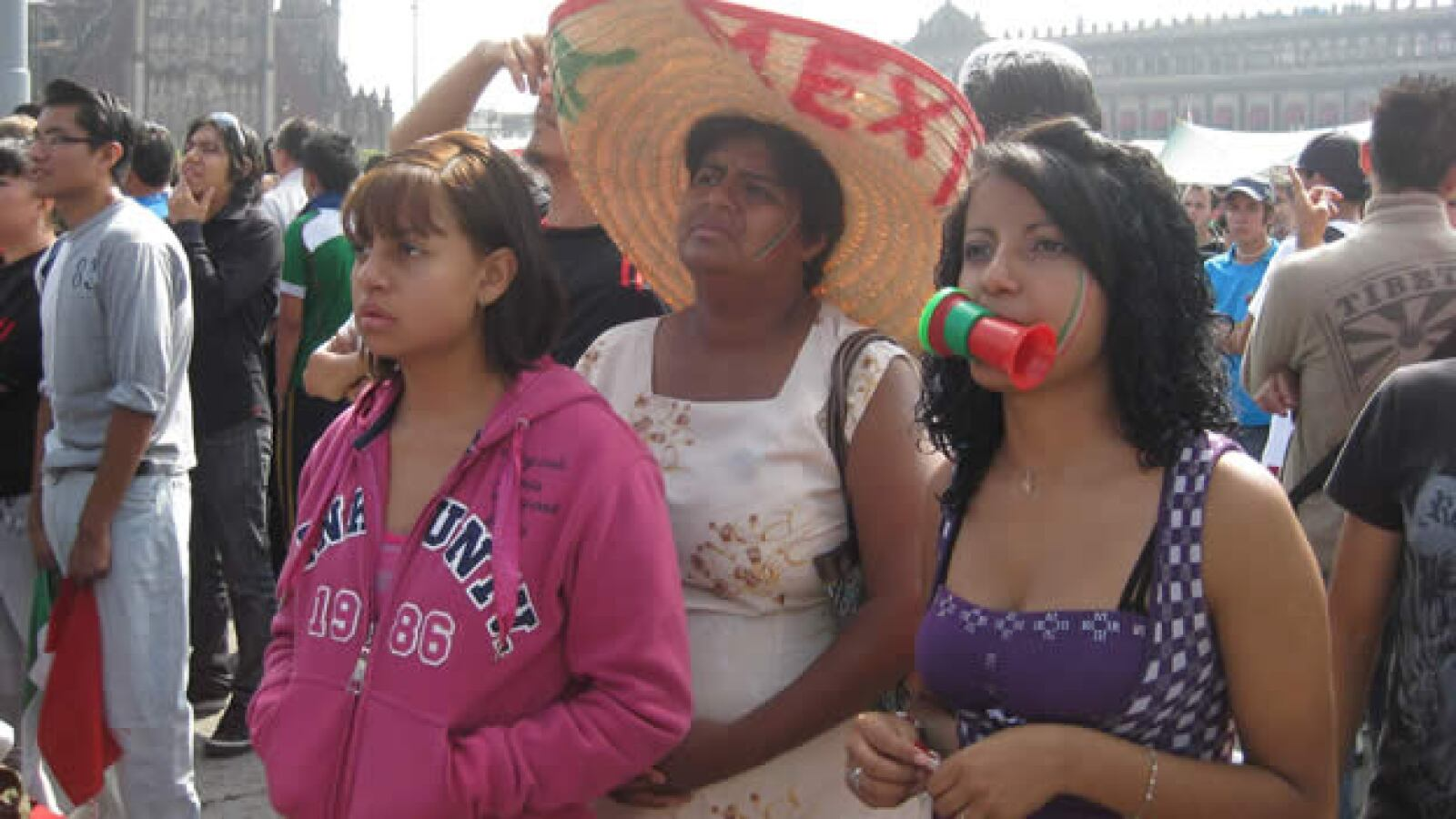 fans zocalo gal01