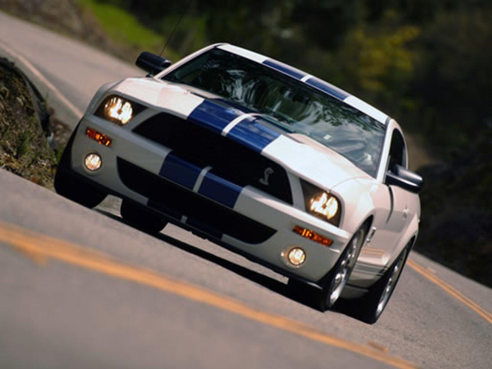 La tradición GT de Mustang tuvo una evolución en el poder de los caballos de fuerza, alcanzando los 500, con el Shelby 500GT de 2007.