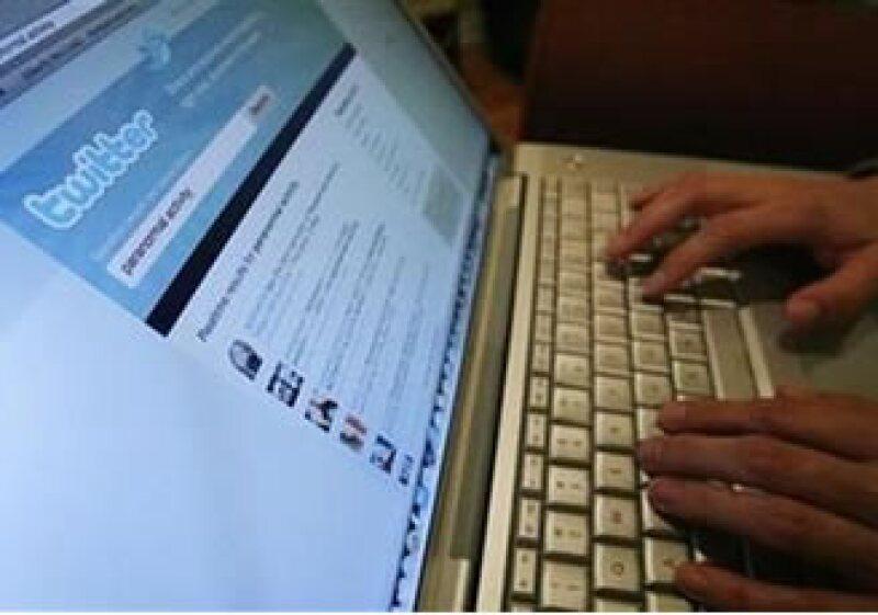 Hasta la cuenta de un conocido blogger de tecnología fue víctima del engaño. (Foto: Reuters)