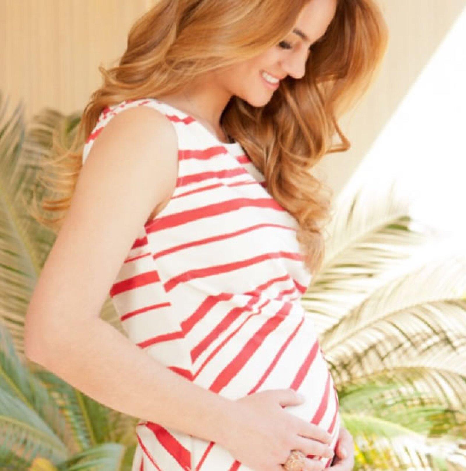 Aquí vemos a Paola en su primer trimestre de embarazo.