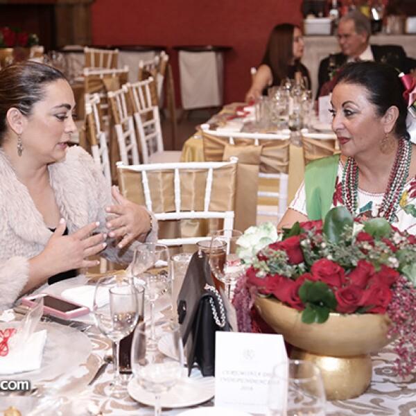Rebeca Morales y Rosa María Álvarez