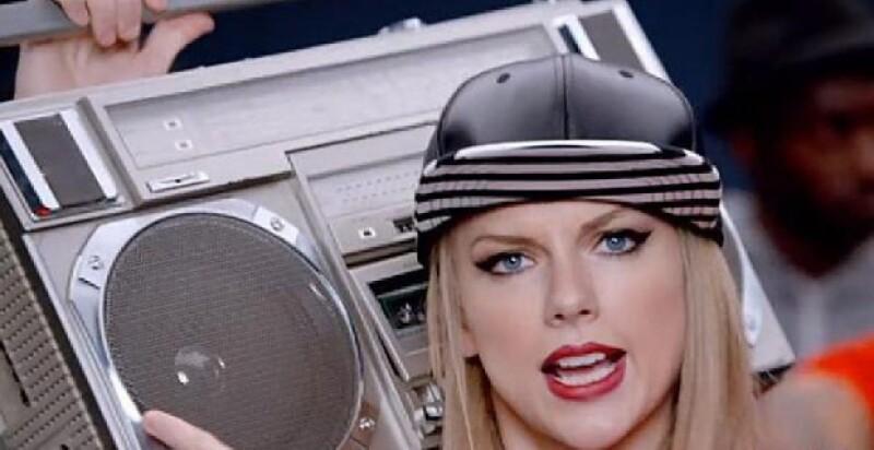 La cantante estrenó este miércoles su nuevo video, un pegajoso tema donde se ríe de sí misma al no dominar todos los tipos de baile.